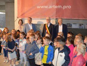 Eerste inhuldiging nieuwe school De Kleine Wereld